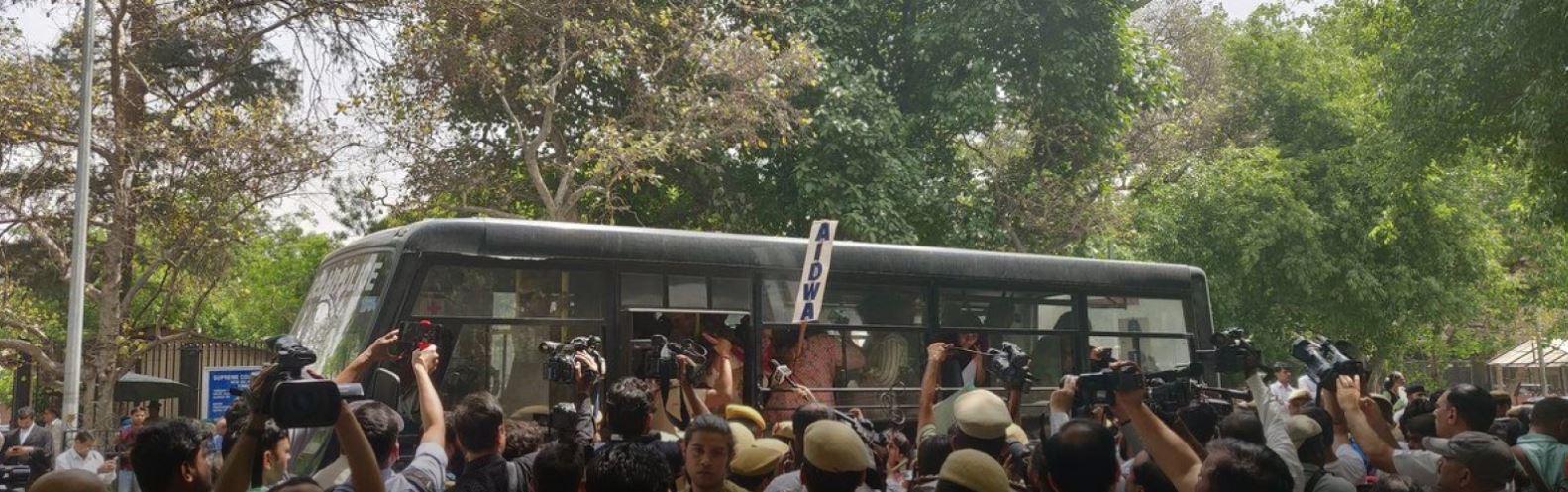 ಸಿಜೆಐಗೆ ಕ್ಲೀನ್ ಚಿಟ್ ವಿರೋಧಿಸಿ ಪ್ರತಿಭಟನೆ: ಸುಪ್ರೀಂ ಕೋರ್ಟ್ ಆವರಣದಲ್ಲಿ ಸೆಕ್ಷನ್ 144 ಜಾರಿ, ಬಂಧನ