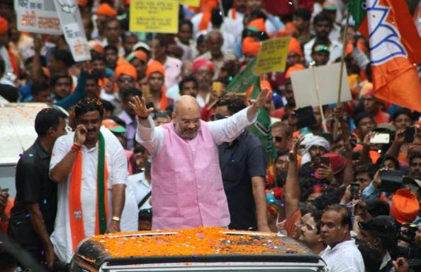 ಕೊಲ್ಕತಾ:: ಅಮಿತ್ ಶಾ ಬೆಂಬಲಿಗರ ದಾಂದಲೆ, ಬಿಜೆಪಿ –ಟಿಎಂಸಿ ಕಾರ್ಯಕರ್ತರ ಮಾರಾಮಾರಿ